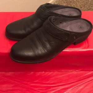 Ariat Mules Clogs Black 9.5 gorgeous comfortable